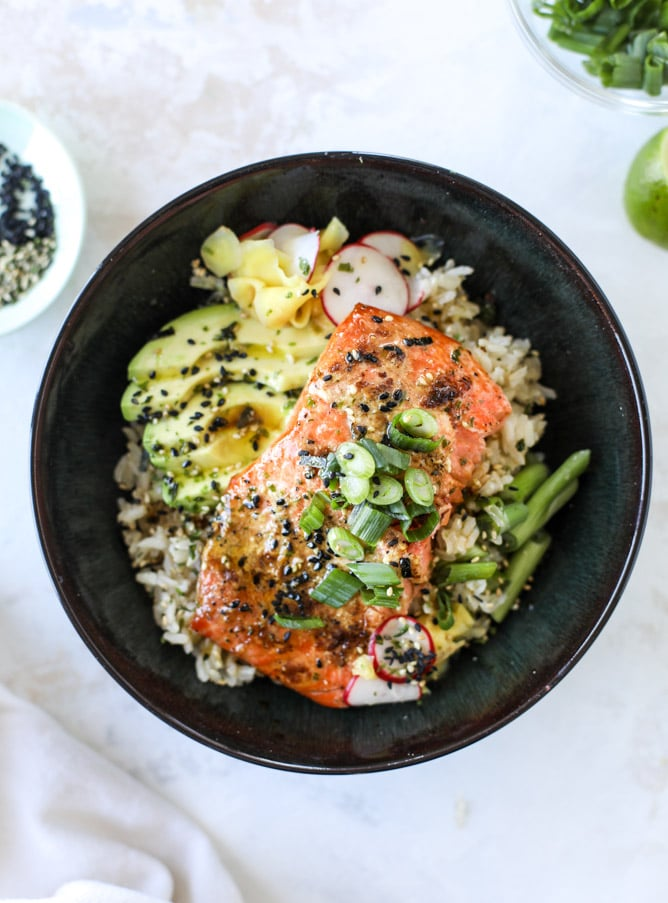 butter salmon rice bowls I howsweeteats.com #salmon #rice #bowls #seafood #healthy