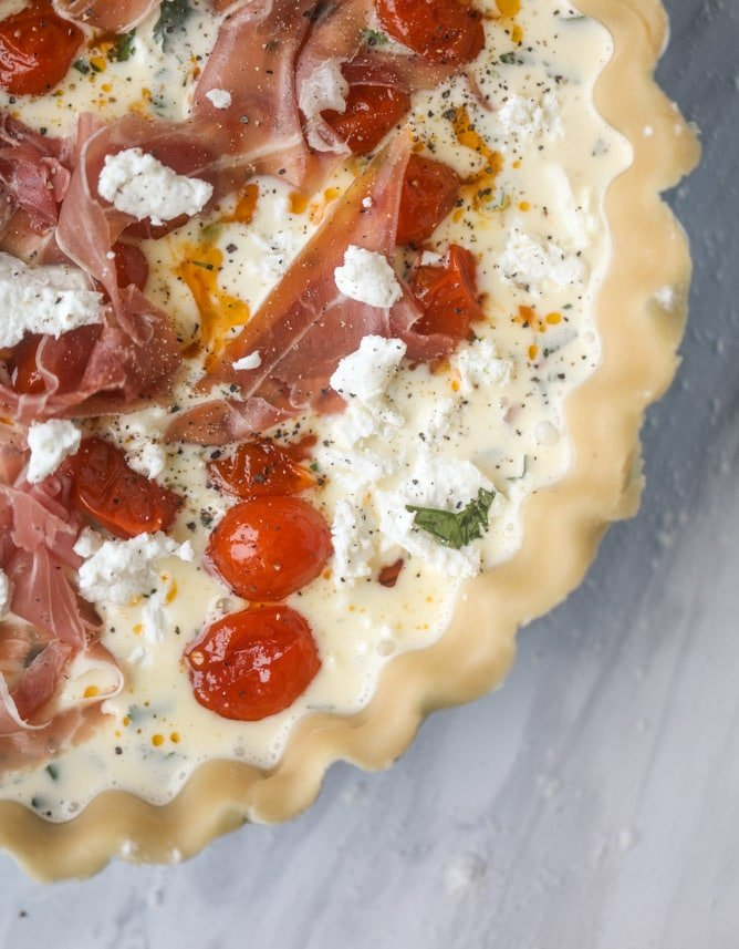 prosciutto, herb & goat cheese quiche I howsweeteats.com #quiche #goatcheese #brunch #prosciutto #breakfast