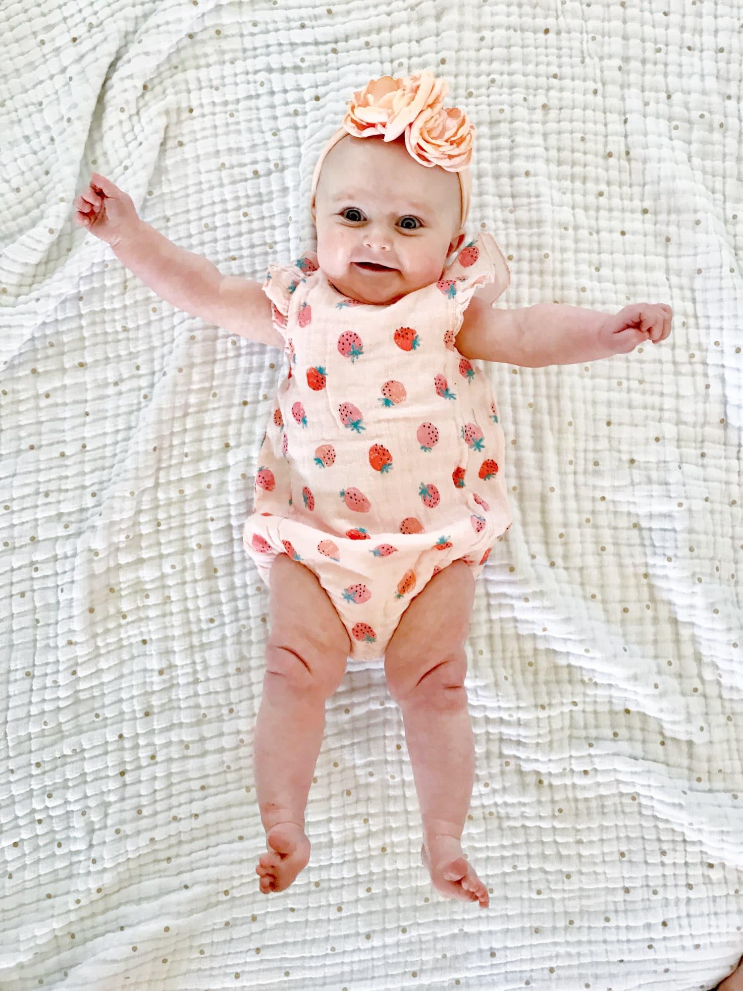 emilia at 7 months I howsweeteats.com