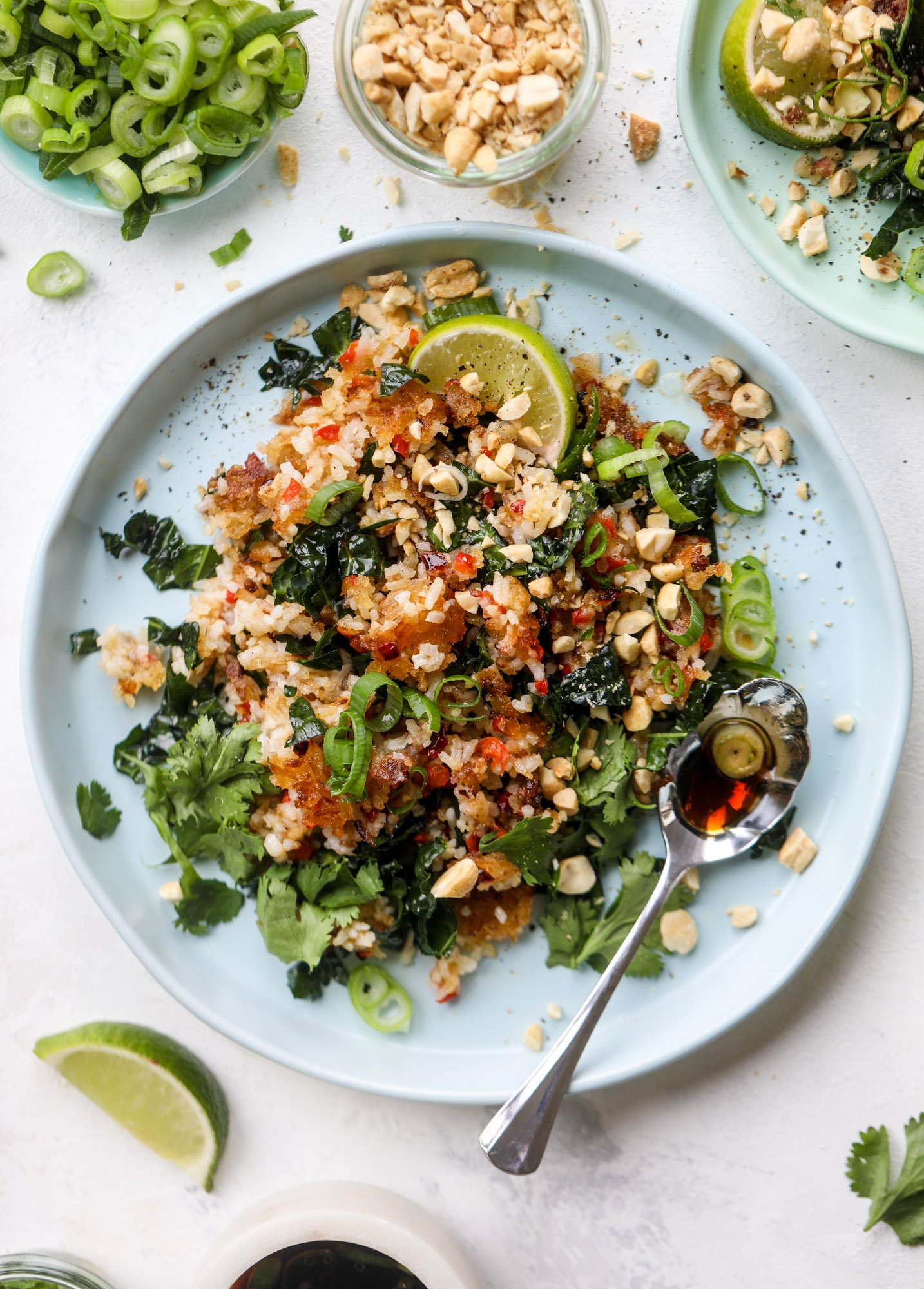 This crispy rice salad is the best lunch I've had in ages! It's full of crunch and crisp, it's satisfying and has lots of green kale so we get our veg in. The crispy rice salad can be a meal, you can add beans or rice or it can even be a side dish. I howsweeteats.com #rice #salad #vegetarian #crispy #kale