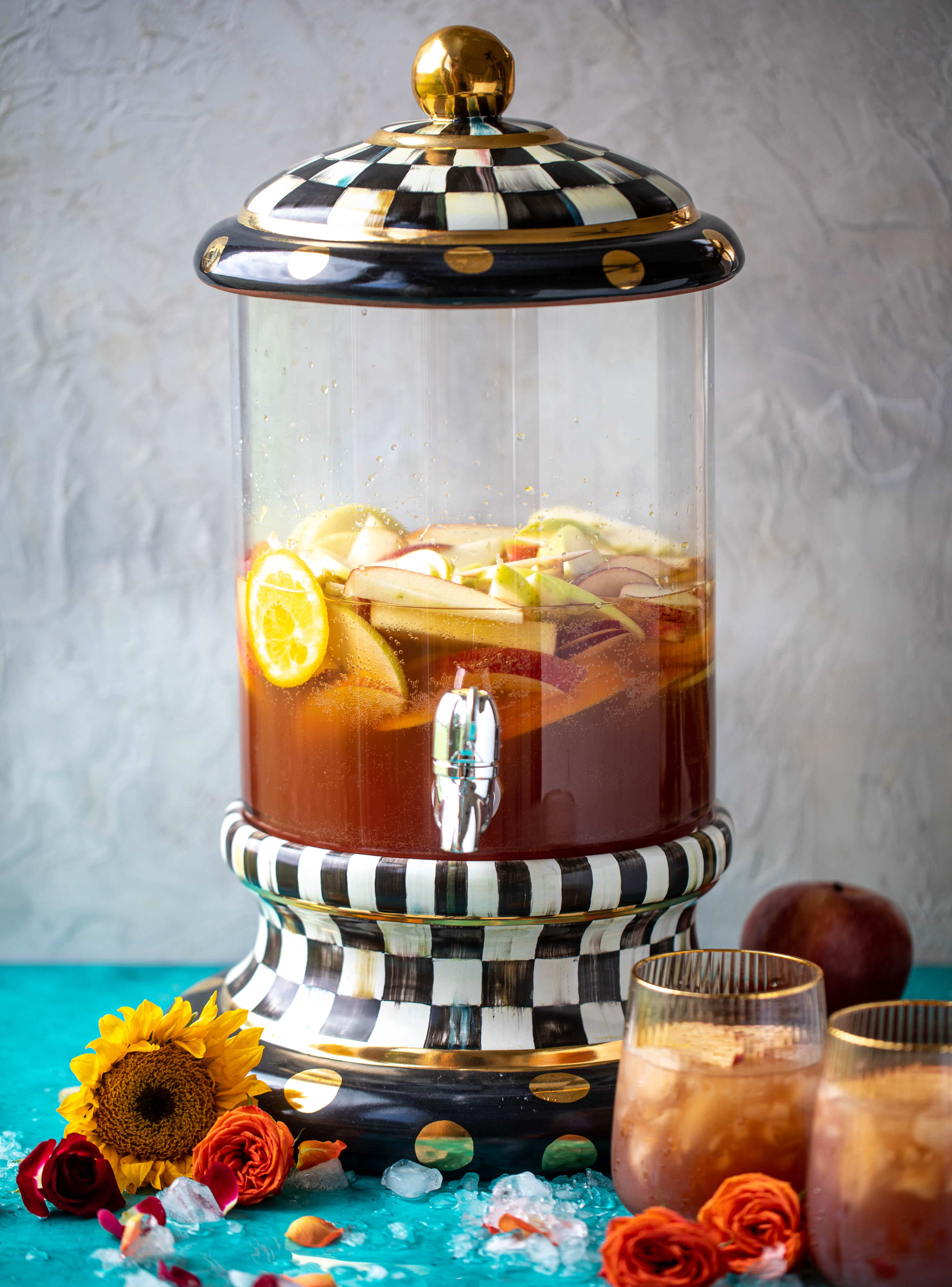 This apple cider punch recipe has tons of fall flavor! Apple cider, aperol, pomegranate soda and prosecco come together to create a bubbly treat!