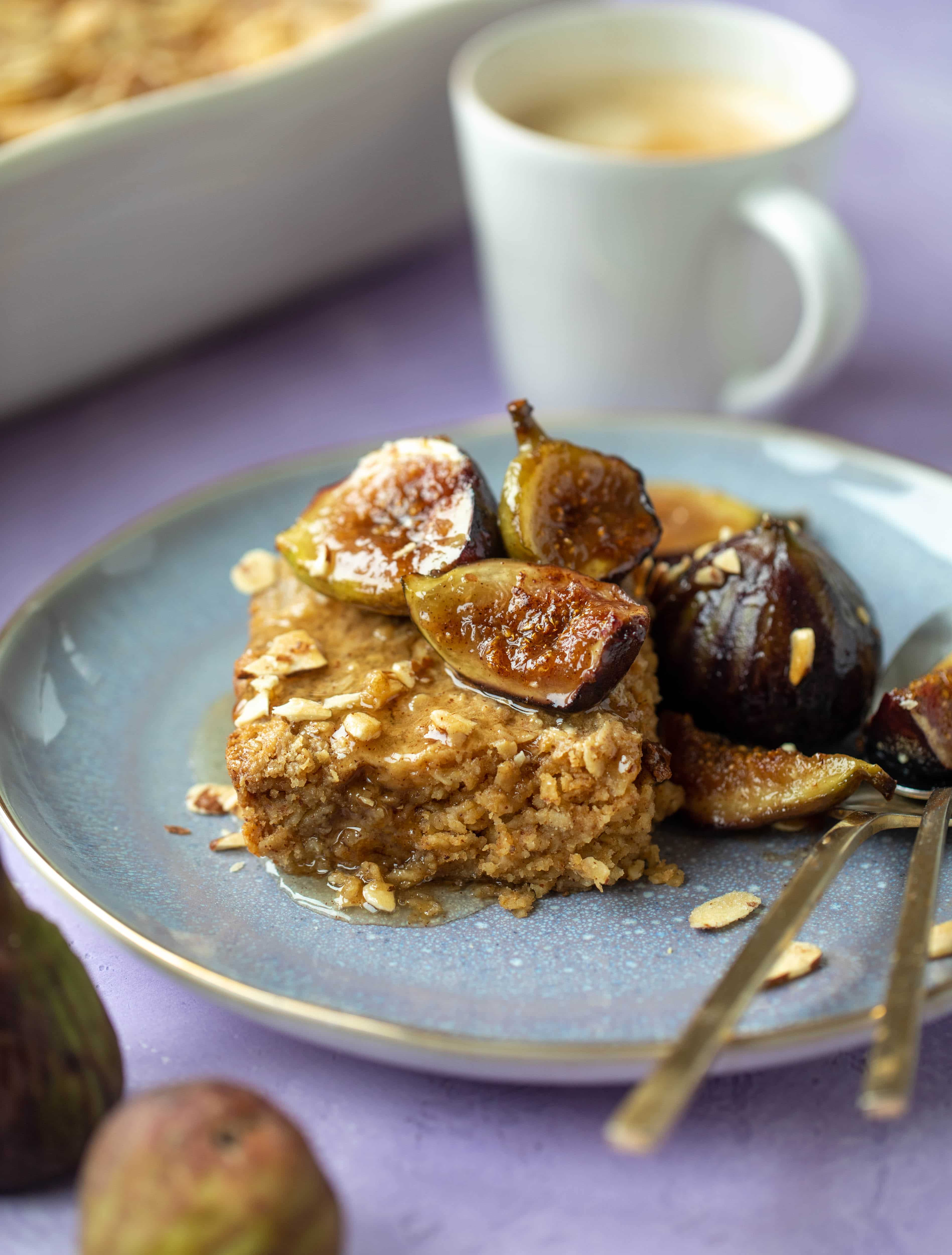 This almond butter baked oatmeal with sticky cinnamon figs is the perfect weekend treat or great for when you have brunch guests!