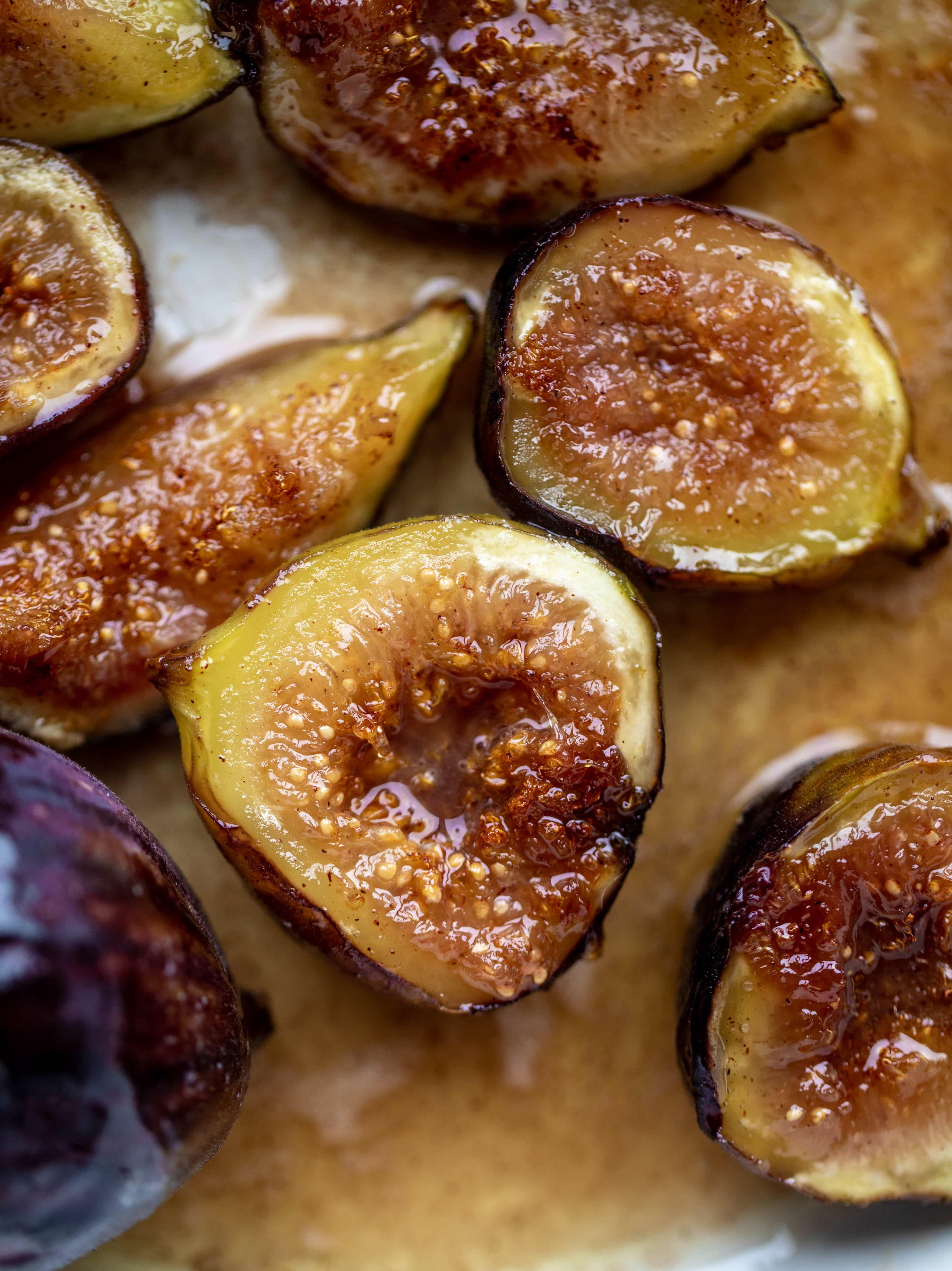sticky cinnamon figs