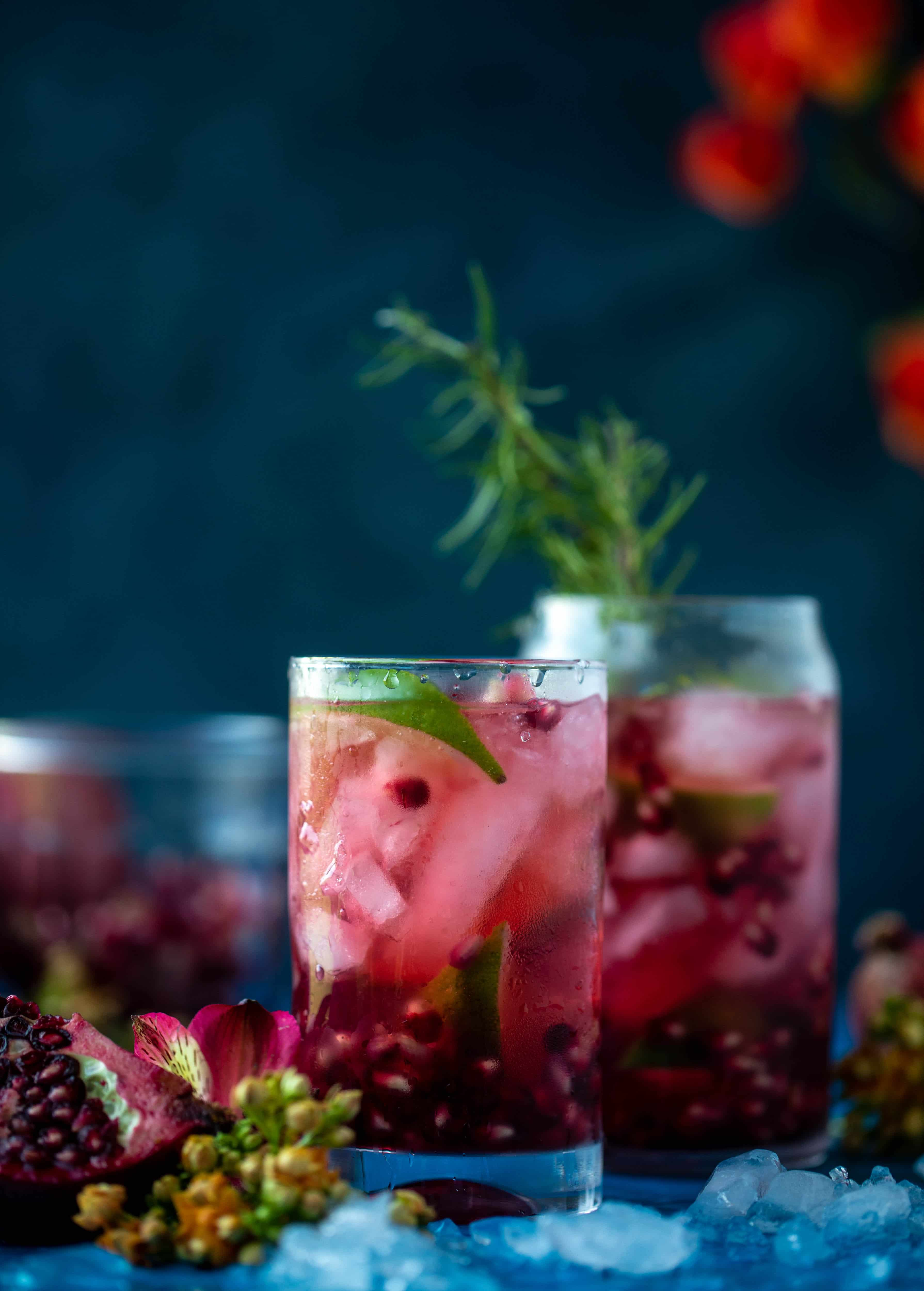This pomegranate gin and tonic is the best way to transition your cocktail party life from the hot weather into fall! Tastes delish and looks pretty too!