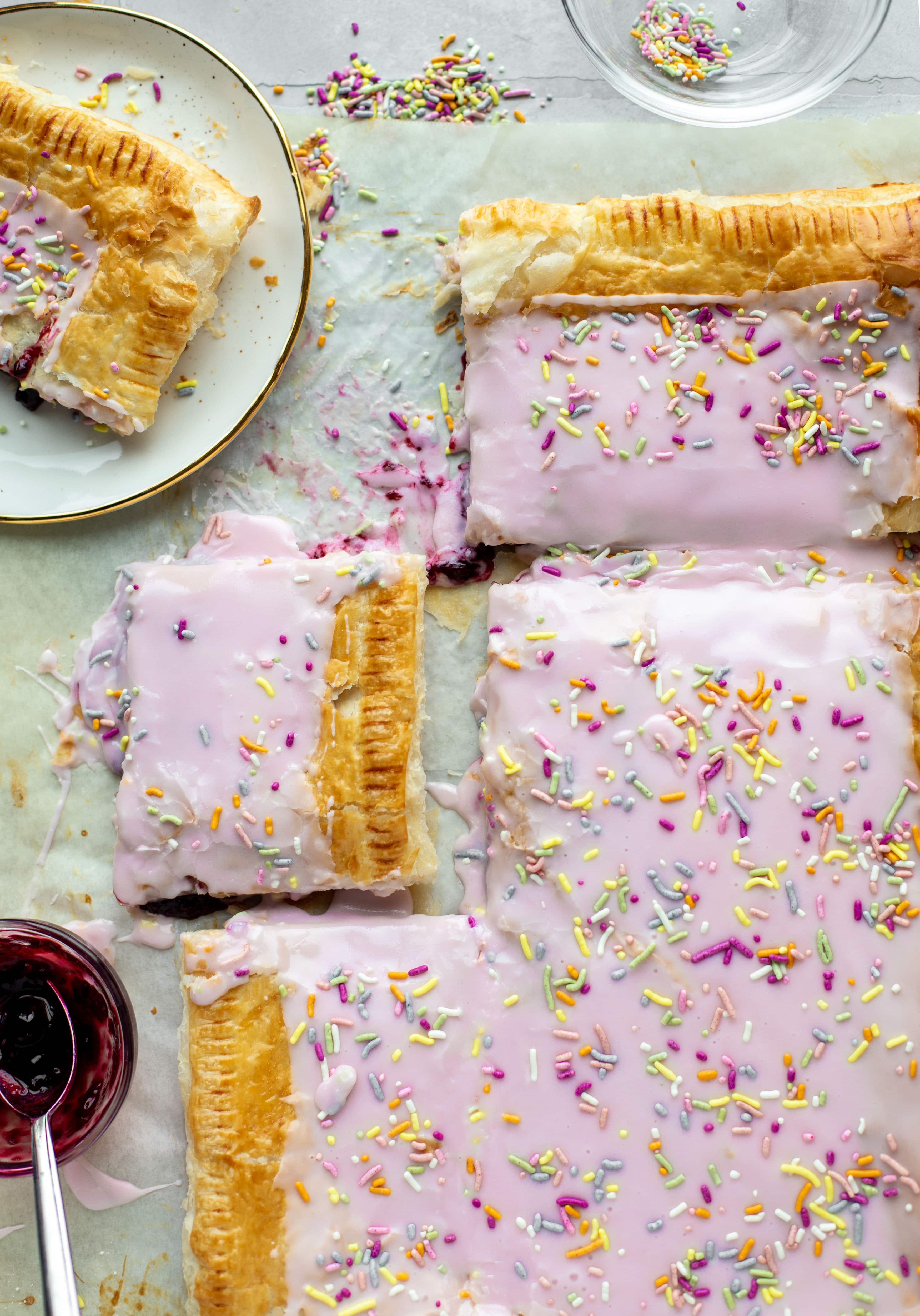 giant berry pop tart + 23 mother's day recipes