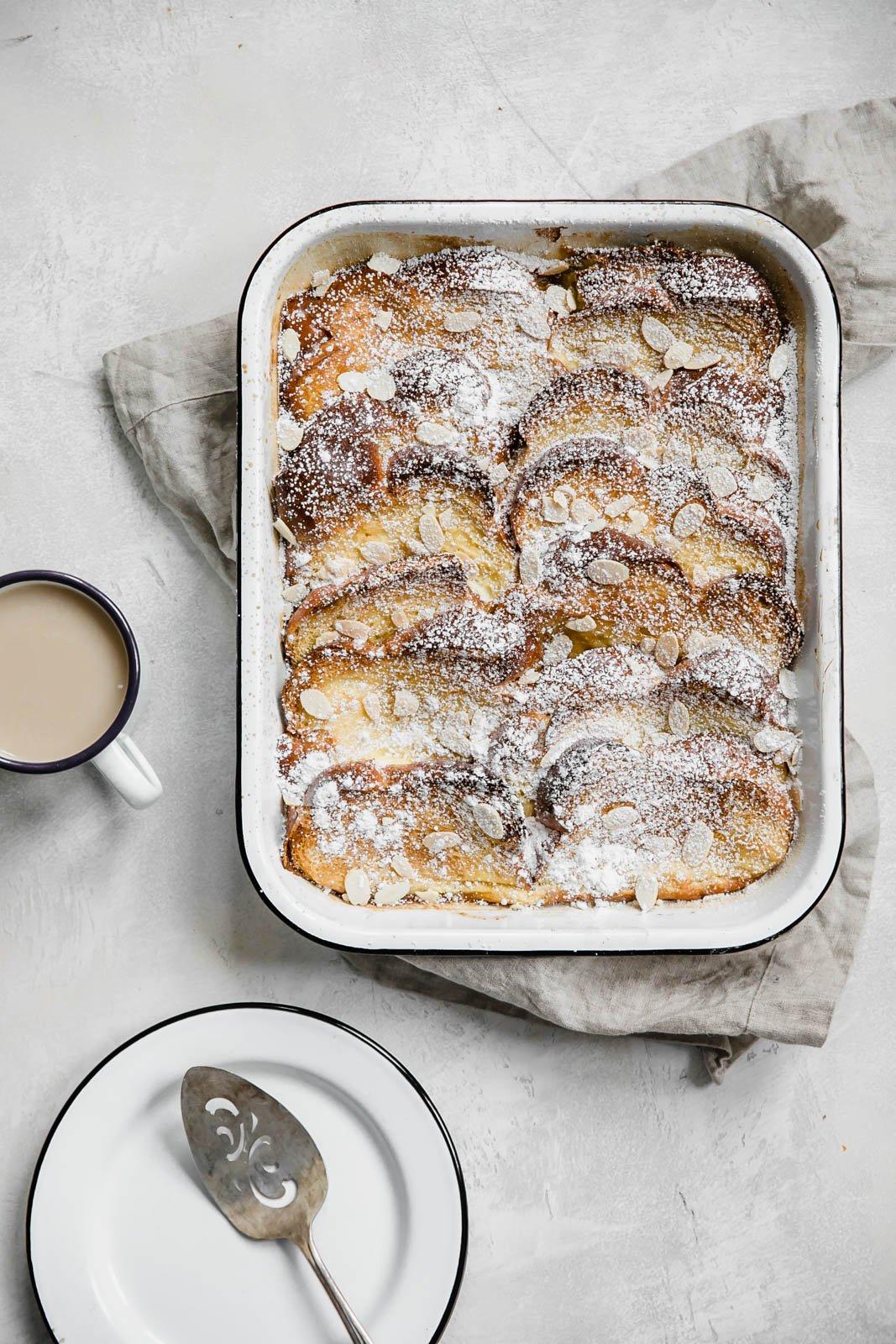 creme brulee french toast I howsweeteats.com #frenchtoast #breakfast #holiday #christmas #cremebrulee