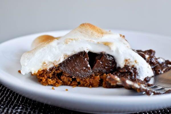 S'mores Pie I howsweeteats.com