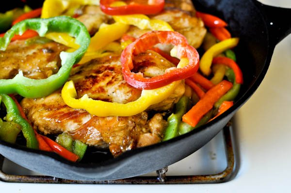 Skillet Chicken with Peppers and Peanuts I howsweeteats.com