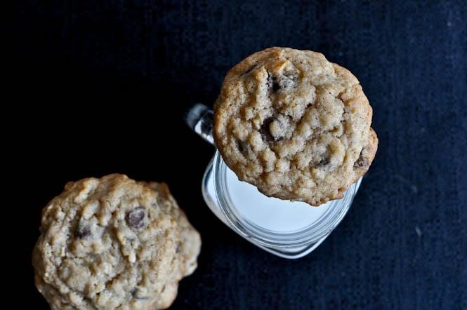 Chewy Chocolate Chip Oatmeal Cookies I howsweeteats.com