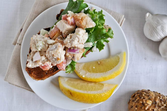 Greek Grilled Chicken Salad I howsweeteats.com