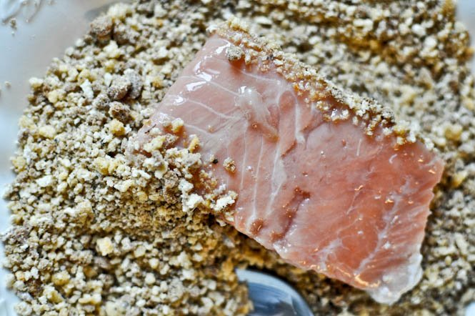 Gingersnap Crusted Salmon I howsweeteats.com