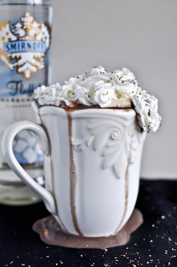 Grown Up Hot Chocolate with Homemade Bailey's Marshmallows I howsweeteats.com