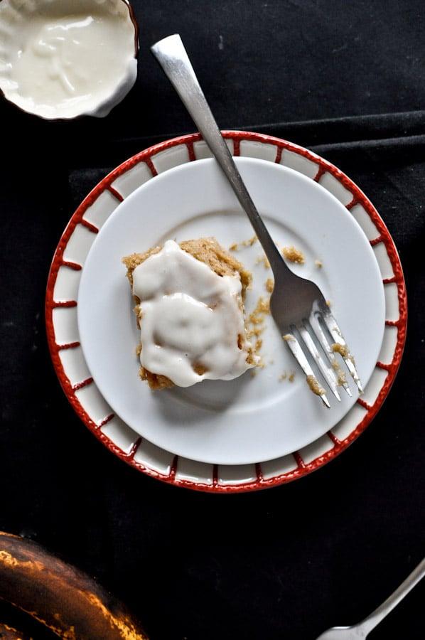 Banana Bread Snack Cake I howsweeteats.com