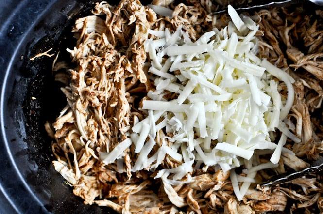 Crockpot Cheddar Beer Chicken Tacos I howsweeteats.com