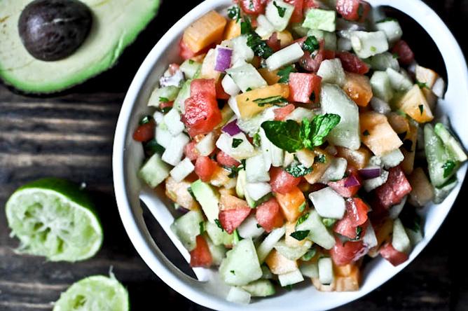 12 fruit salsa recipes I howsweeteats.com