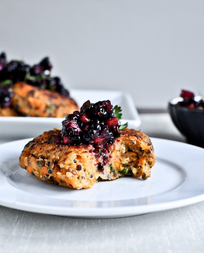 Sweet Potato Quinoa Cakes with Blackberry Salsa I howsweeteats.com