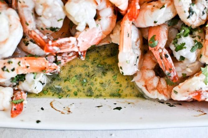 Roasted Basil Butter Parmesan Shrimp I howsweeteats.com