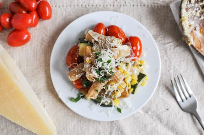 Brown Butter Garden Vegetable Pasta Skillet I howsweeteats.com