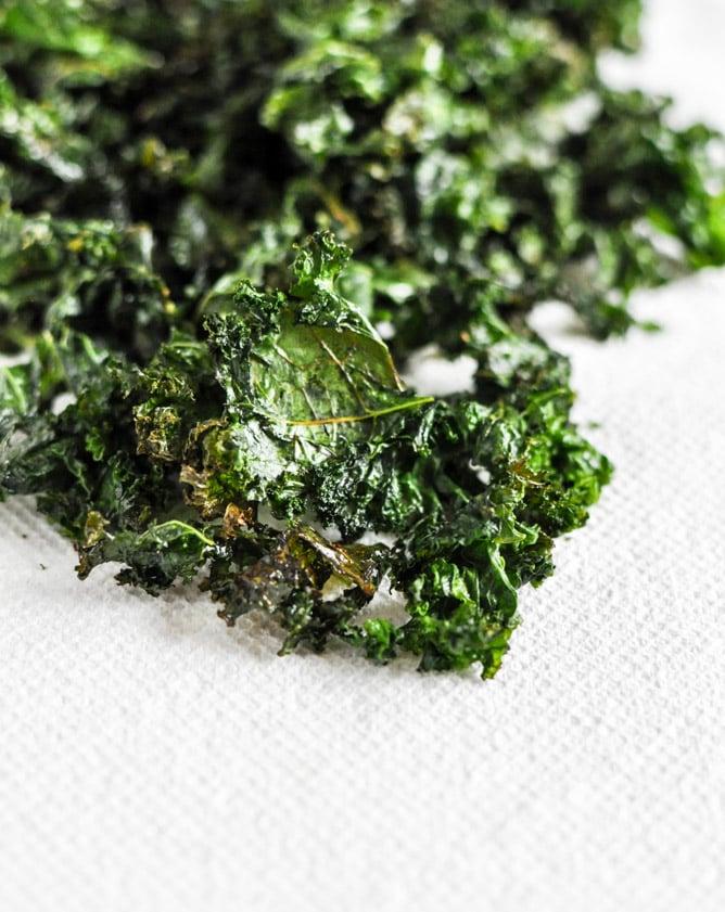 Crispy Kale Salad I howsweeteats.com