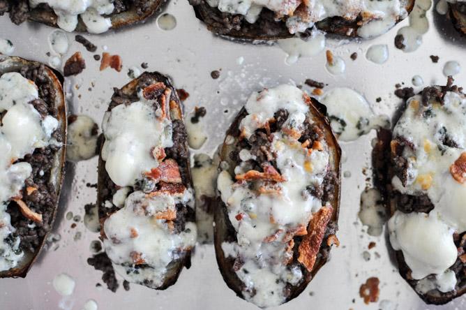 Bacon Blue Cheeseburger Potato Skins I howsweeteats.com