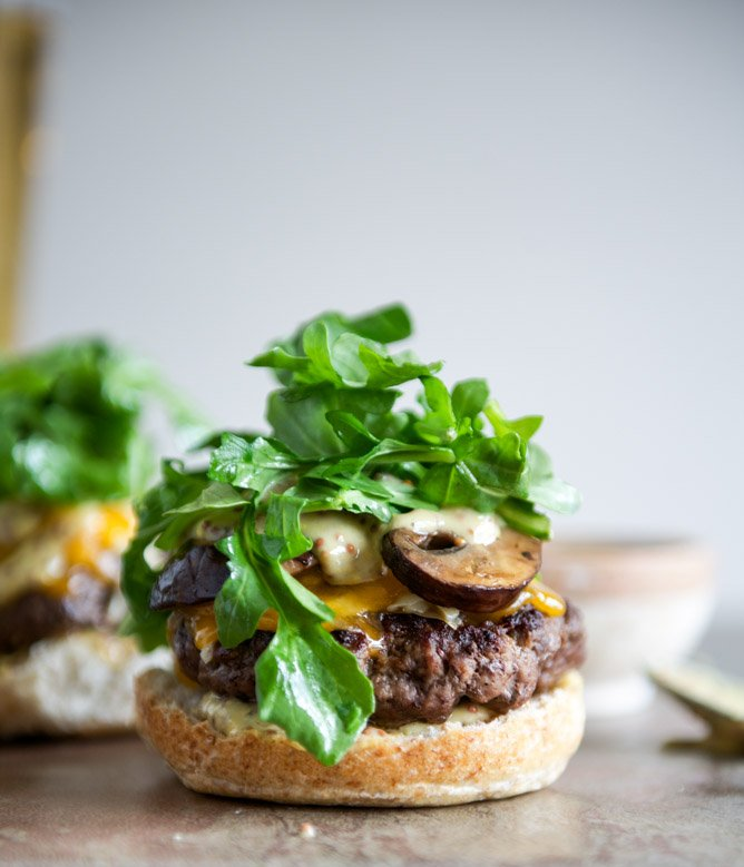 Cheeseburgers with Sautéed Mushrooms, Arugula and Dijon Aioli I howsweeteats.com