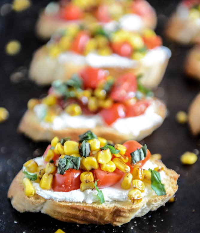 Summer Crostini with Whipped Roasted Garlic Goat Cheese I howsweeteats.com