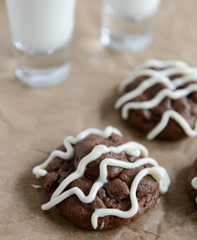 Double Chocolate Cheesecake Cookies I howsweeteats.com