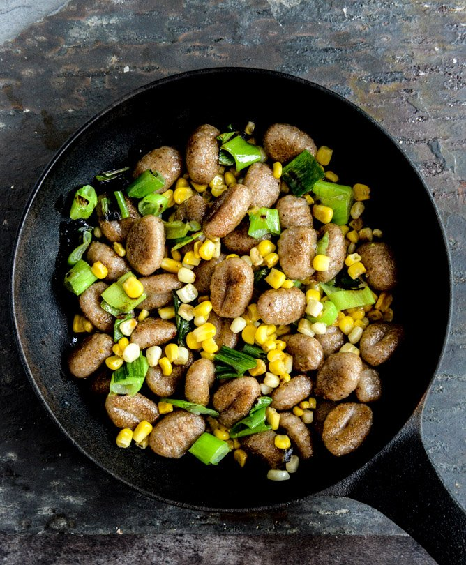 Pan Toasted Brown Butter Gnocchi with Sweet Corn + Grilled Scallions I howsweeteats.com