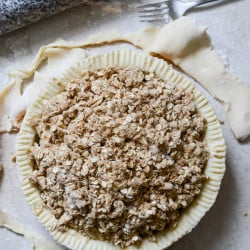 Cider Boubon Apple Pie with Oatmeal Cookie Crumble I howsweeteats.com-5