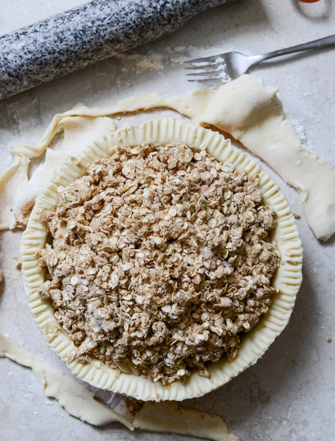 Cider Bourbon Apple Pie with Oatmeal Cookie Crumble. (in other words, the tale of never fail pie crust, part two.)