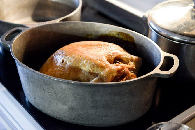 How To Make Gravy - Step by Step I howsweeteats.com