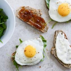 breakfast sandwich I howsweeteats.com-4