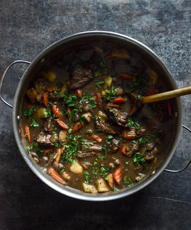 Cabernet Braised Short Rib Beef Stew I howsweeteats.com