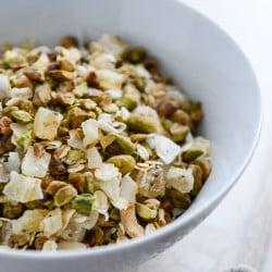 toasted pistachio muesli I howsweeteats.com-3