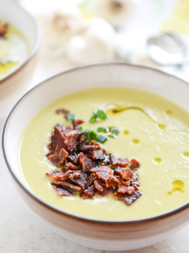 caramelized leek soup with maple glazed bacon I howsweeteats.com
