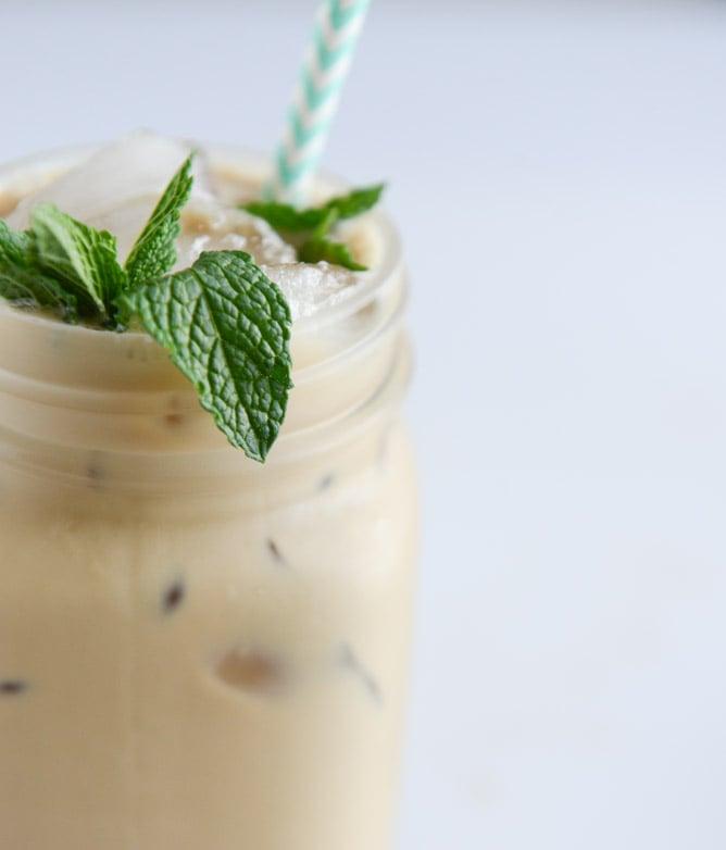 fresh mint iced coffee I howsweeteats.com