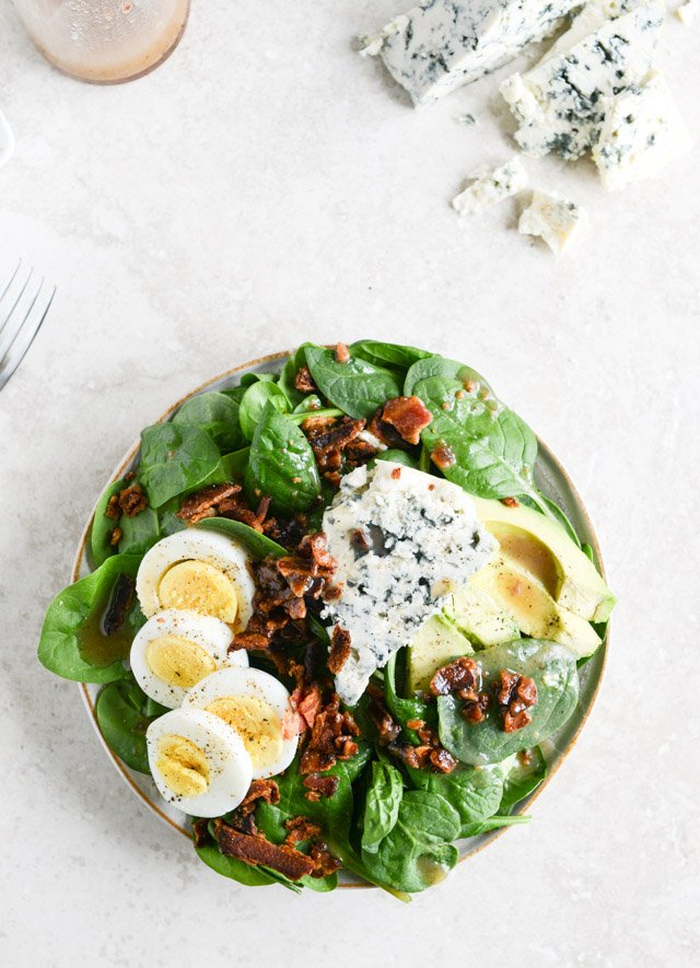 Killer Spinach Salads with Hot Bacon Dressing I howsweeteats.com