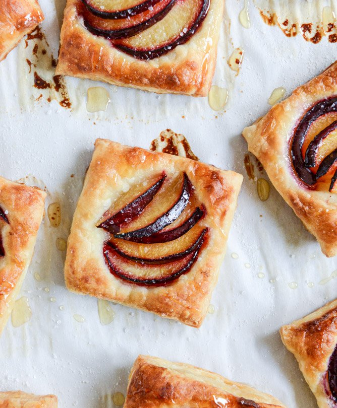 black plum tarts with brown butter and sea salt I howsweeteats.com