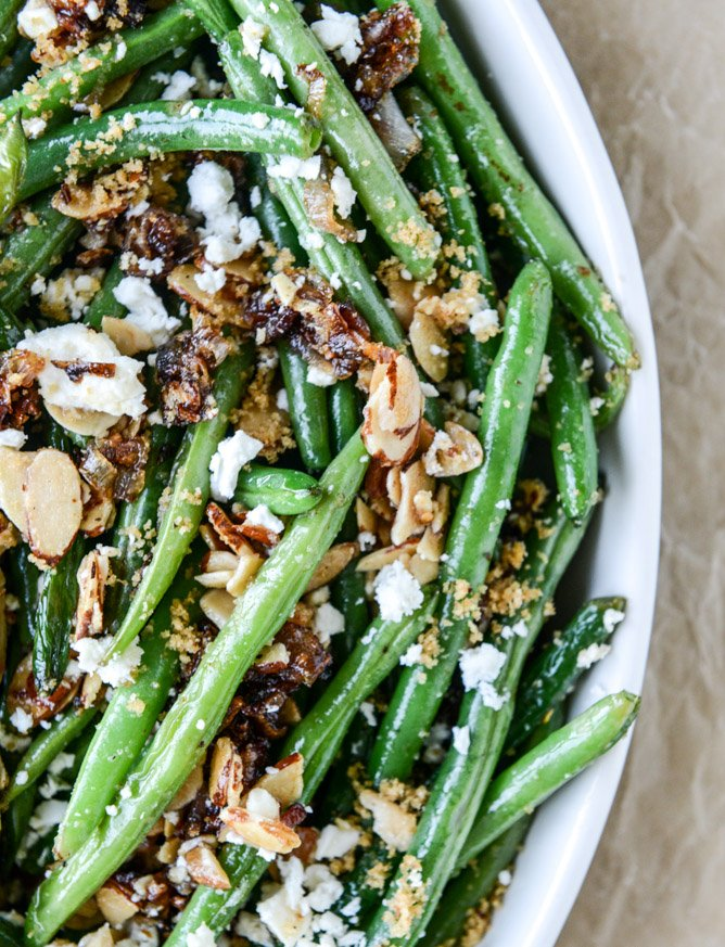 loaded skillet toasted green beans I howsweeteats.com
