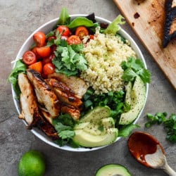 honey-chipotle-chicken-bowls-I-howsweeteats.com-5 (1)