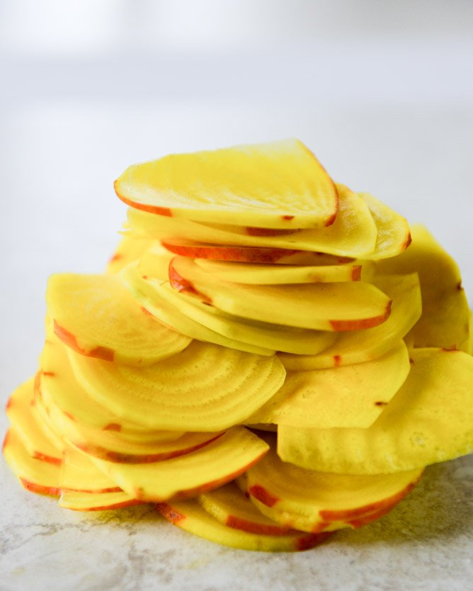 golden beet chips with spicy goat cheese dip I howsweeteats.com