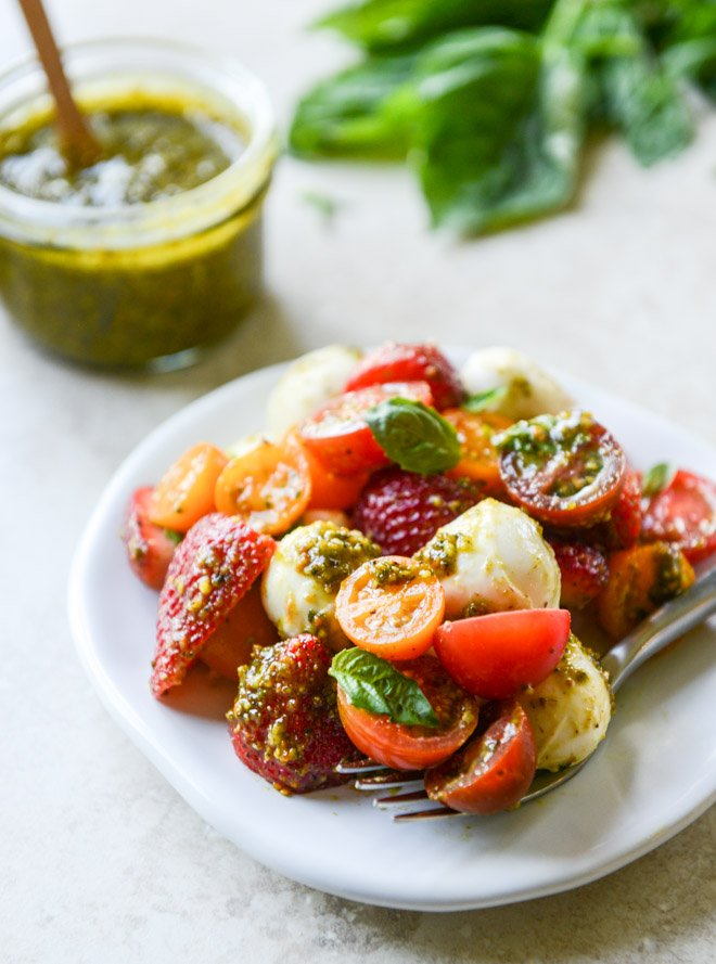 strawberry caprese with pistachio pesto I howsweeteats.com