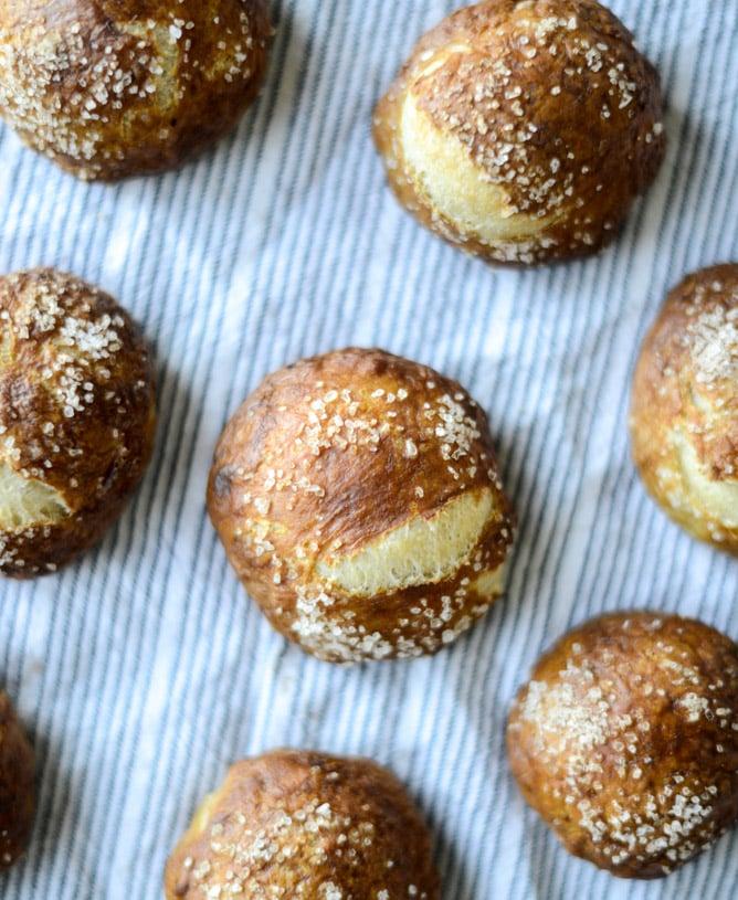 cider cheese soup shooters in mini pretzel bread bowls I howsweeteats.com