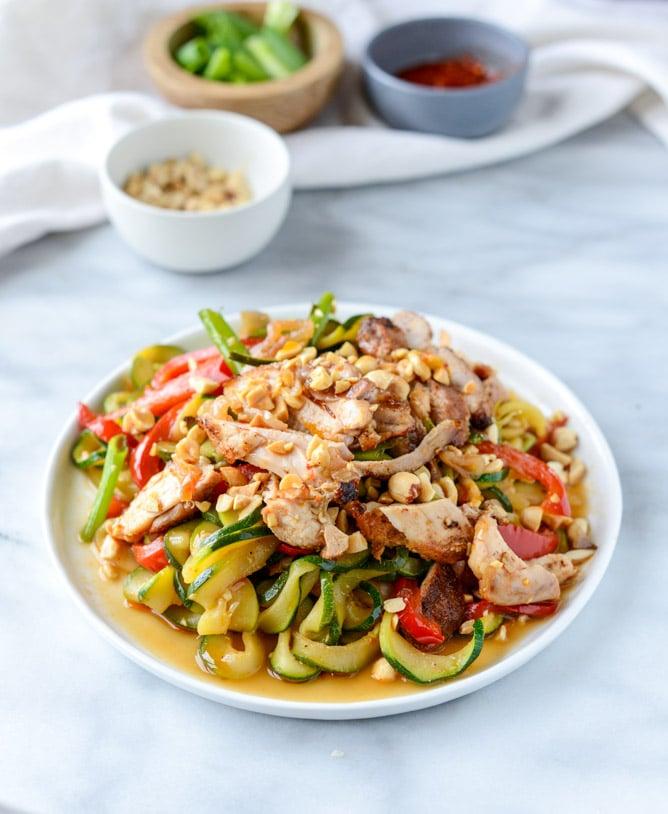 thai drunken zucchini noodles I howsweeteats.com