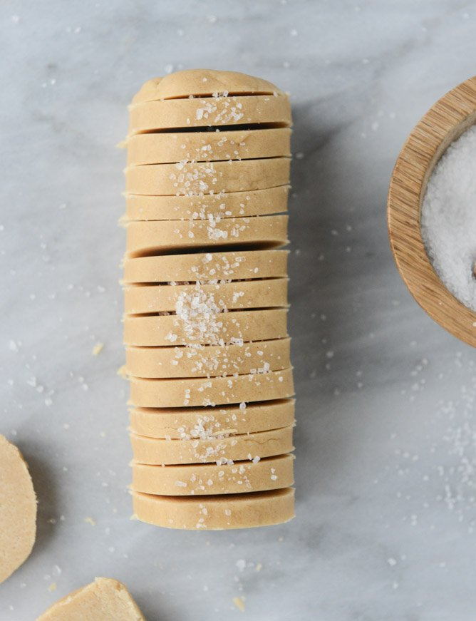 salted peanut butter shortbread I howsweeteats.com
