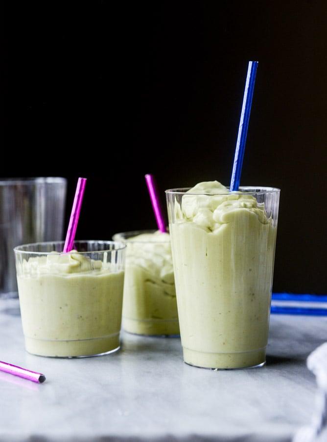 avocado vanilla smoothie I howsweeteats.com