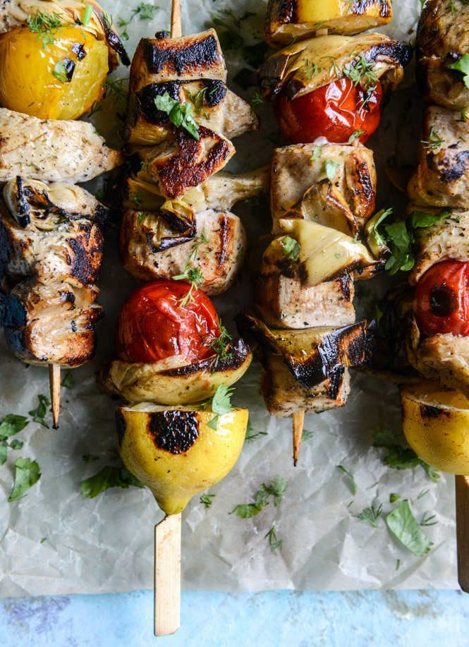 grilled chicken, burst tomato and artichoke skewers I howsweeteats.com