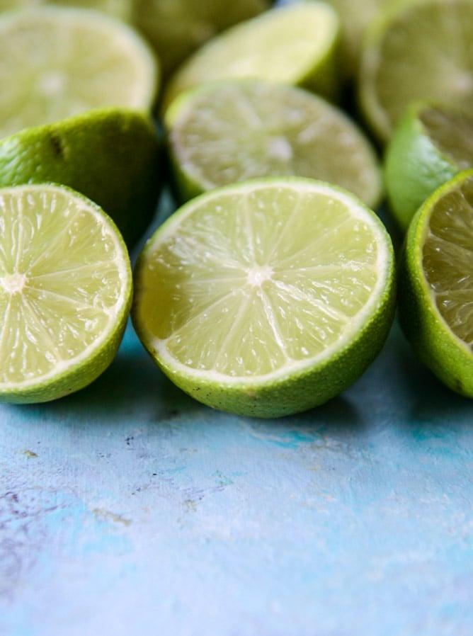 fresh mint limeade I howsweeteats.com