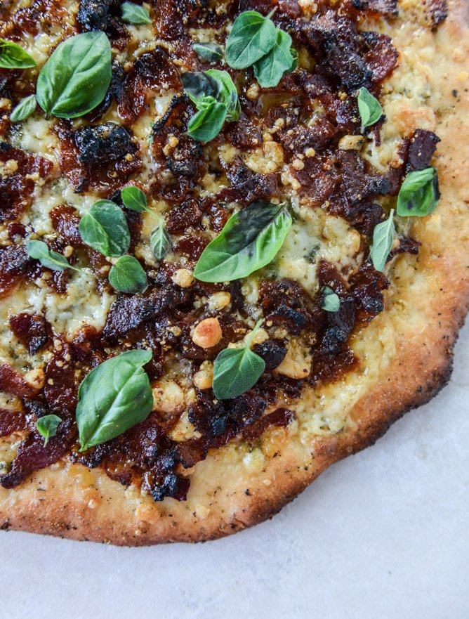 chipotle candied bacon and smoked blue cheese pizza by @howsweeteats I howsweeteats.com