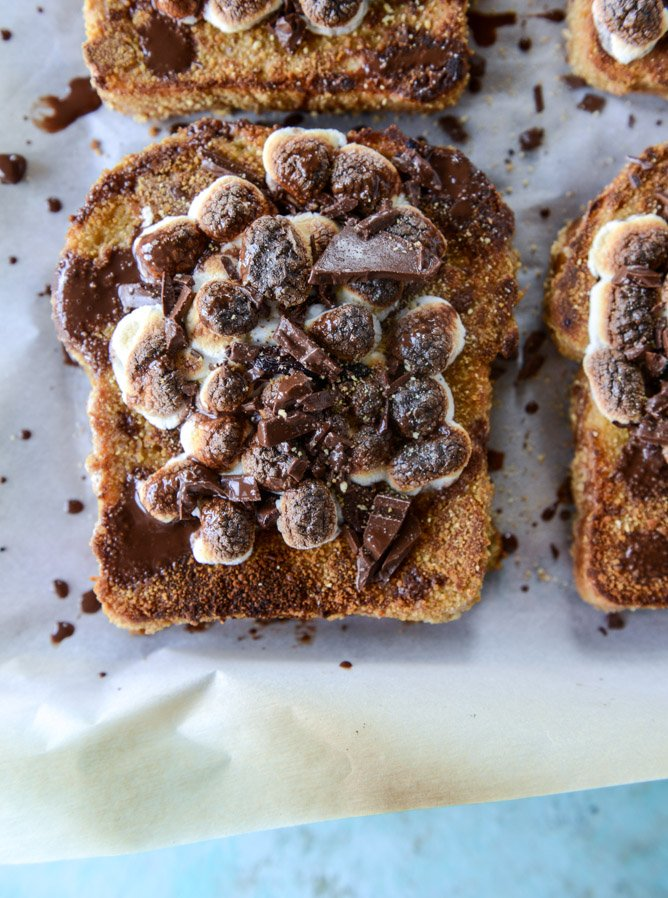 s'mores french toast I howsweeteats.com